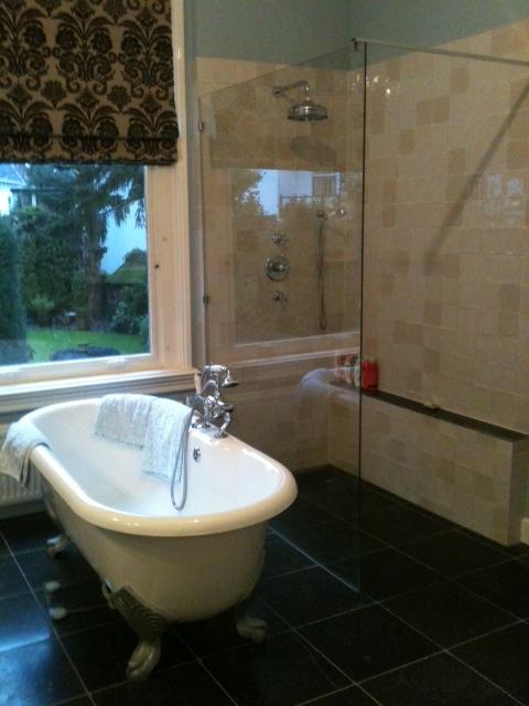 Badkamer hilversum badkamer ontwerp idee n voor uw huis samen met meubels die het - Imitatie natuursteen muur tegel ...